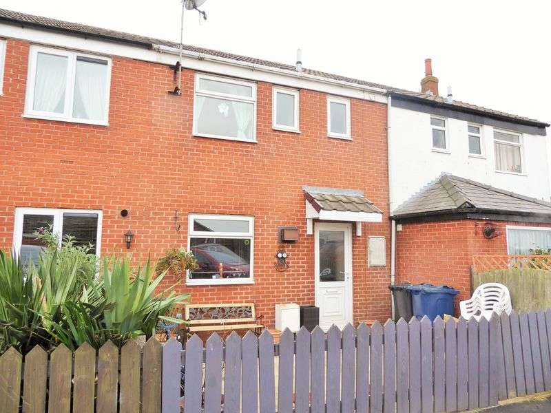 3 Bedrooms Terraced House for sale in Cropper Gardens, Hesketh Bank, Preston