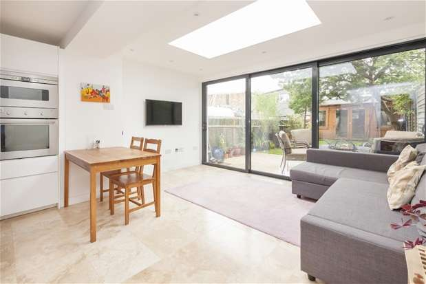 2 Bedrooms Flat for sale in Birkbeck Hill, Dulwich
