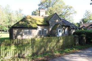 2 Bedrooms Detached House for sale in Stedham, Midhurst, West Sussex