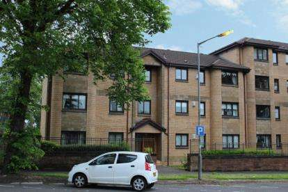 2 Bedrooms Flat for sale in Stock Avenue, Paisley