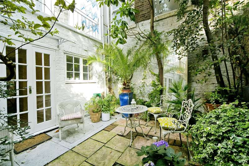2 Bedrooms Maisonette Flat for sale in Acton Street, London, WC1X