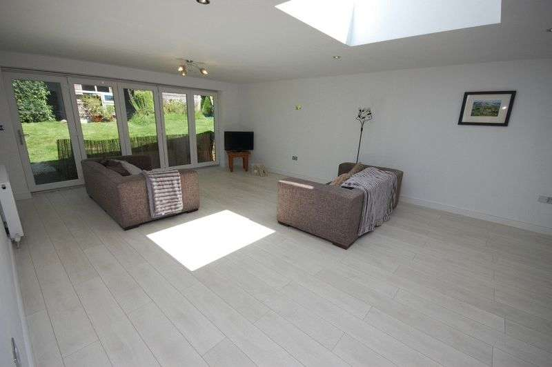 3 Bedrooms Detached Bungalow for sale in Temple Avenue, Padfield