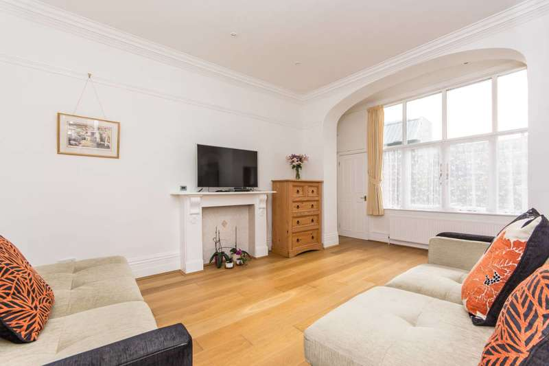 1 Bedroom Flat for sale in Gwendwr Road, Barons Court, W14