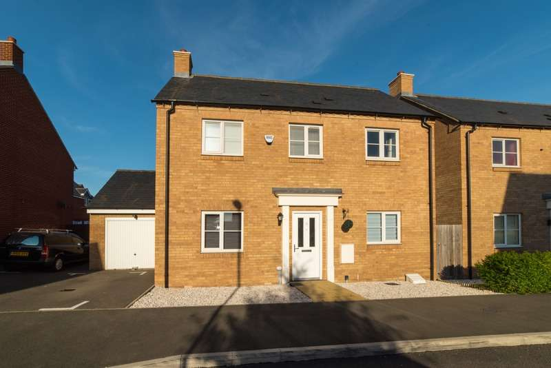 3 Bedrooms Detached House for sale in MARIGOLD WAY, Stotfold, Hertfordshire, SG5
