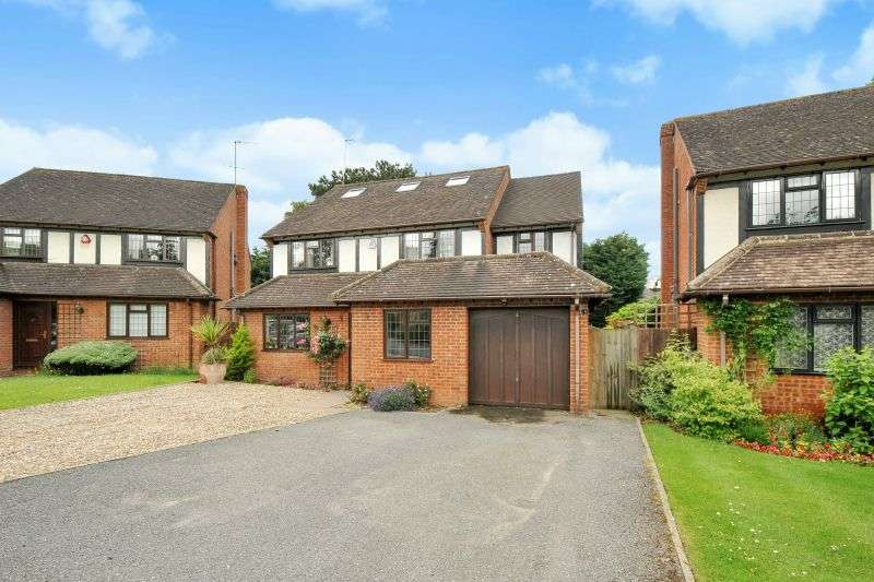 5 Bedrooms Detached House for sale in Hollybush Close, Green Lane, Watford, Hertfordshire