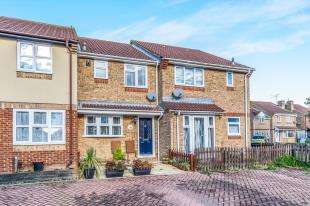 2 Bedrooms Terraced House for sale in Beauvoir Drive, Kemsley, Sittingbourne, Kent
