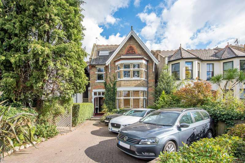 2 Bedrooms Flat for sale in Inglis Road, Ealing, W5