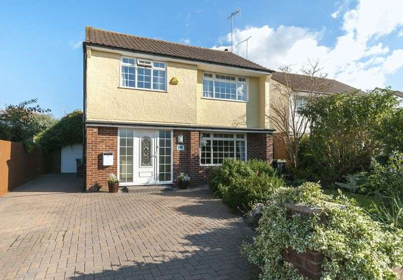 4 Bedrooms Detached House for sale in Western Road, Lancing