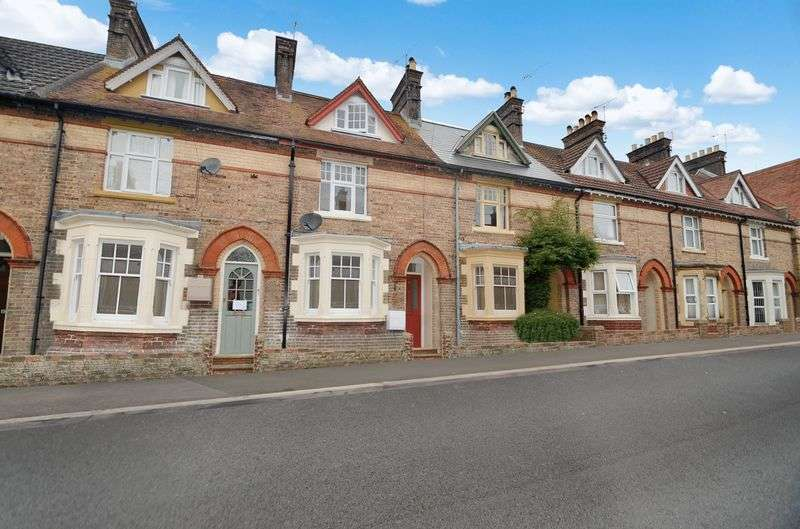 3 Bedrooms Terraced House for sale in Fordington, Dorchester