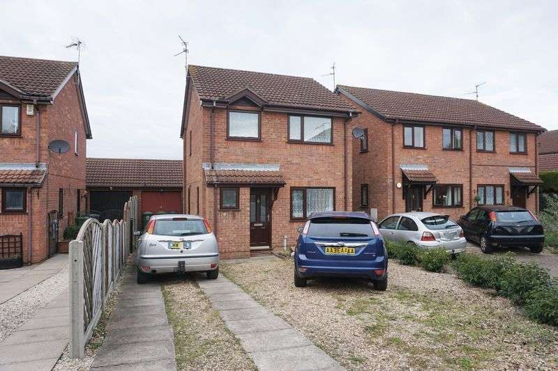 3 Bedrooms Detached House for sale in Primrose Drive, Peterborough