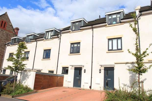 4 Bedrooms Town House for sale in Durnford Avenue, Southville, BS3