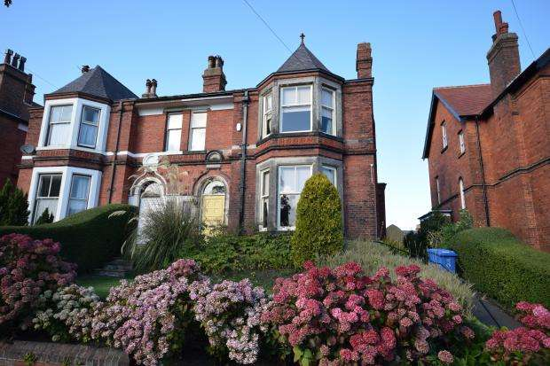 5 Bedrooms Semi Detached House for sale in Stepney Road, Scarborough, North Yorkshire YO11 5BN