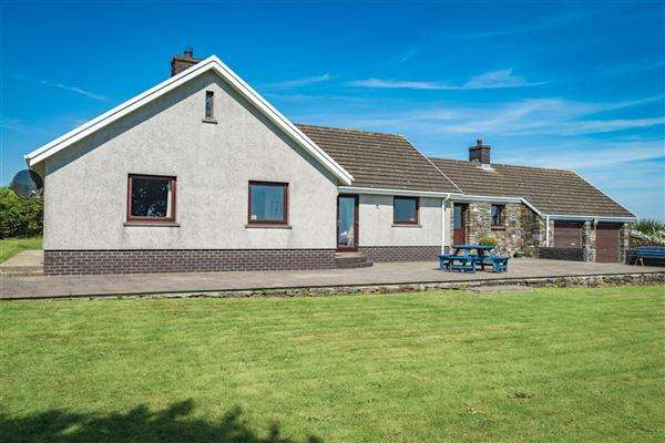 4 Bedrooms Bungalow for sale in Forge Croft, Simpson Cross, Haverfordwest