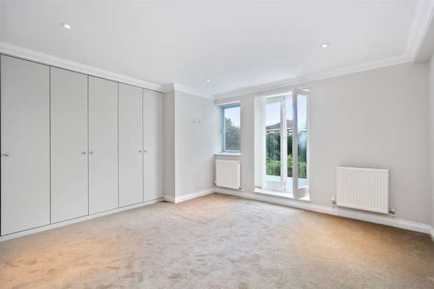 2 Bedrooms Flat for sale in Evelyn Grove, Ealing