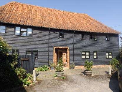 2 Bedrooms Flat for sale in Crown Lane, Wickham Market, Woodbridge