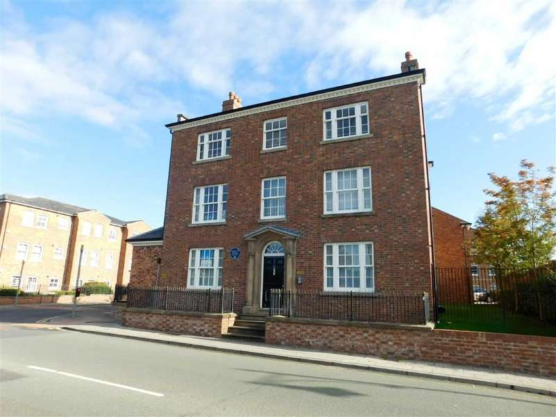 2 Bedrooms Flat for sale in Higher Hillgate, Stockport, Stockport