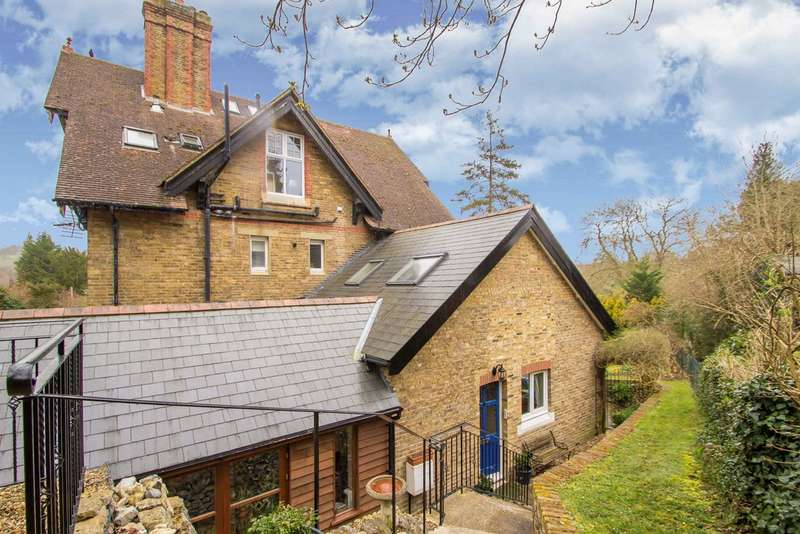 4 Bedrooms Semi Detached House for sale in KENLEY
