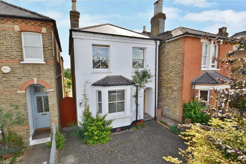 2 Bedrooms Detached House for sale in East Molesey