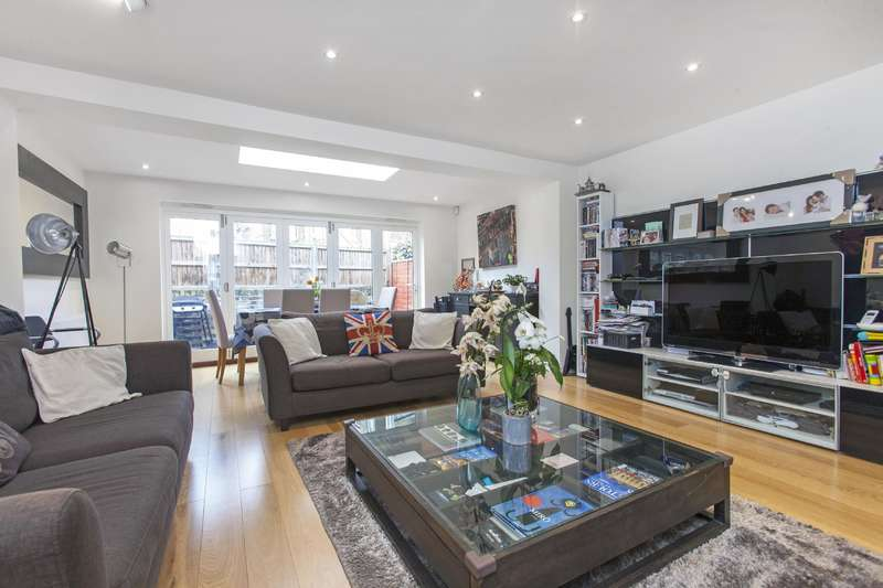 2 Bedrooms House for sale in Fairhazel Gardens, South Hampstead