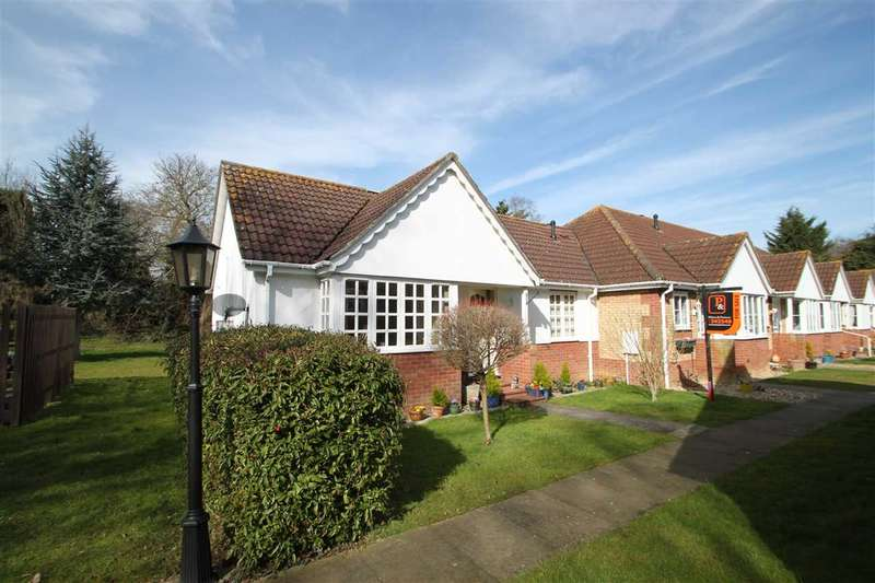 2 Bedrooms Bungalow for sale in Banham Drive, Sudbury