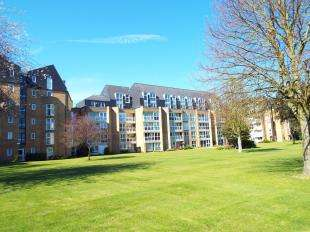 2 Bedrooms Flat for sale in Homepine House, Sandgate Road, Folkestone