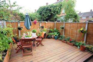3 Bedrooms Terraced House for sale in Laleham Road, Catford, London