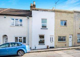 2 Bedrooms Terraced House for sale in Elliott Street, Gravesend, Kent, Gravesend