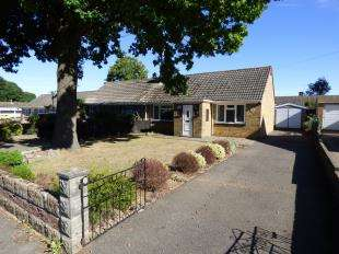 2 Bedrooms Bungalow for sale in Wrangleden Road, Maidstone, Kent