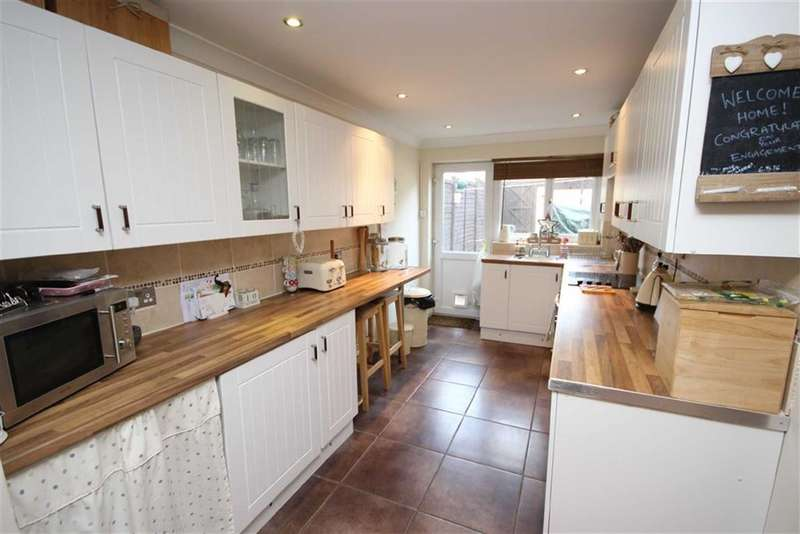 2 Bedrooms Property for sale in Deburgh Street, Rodbourne, Wiltshire