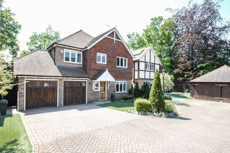4 Bedrooms Detached House for sale in North Bank, Hassocks
