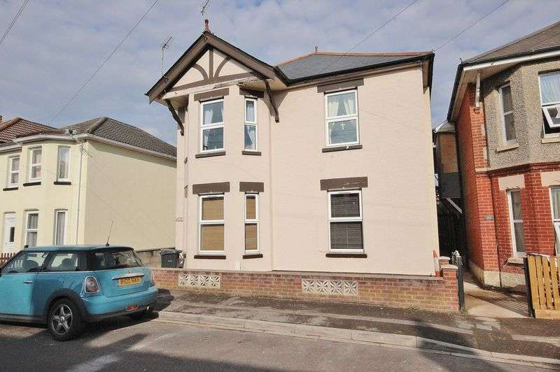 2 Bedrooms Flat for sale in Wheaton Road, Pokesdown, Bournemouth