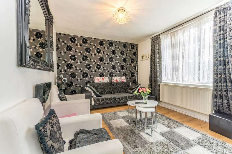 2 Bedrooms Flat for sale in Warwick Grove, Clapton, E5