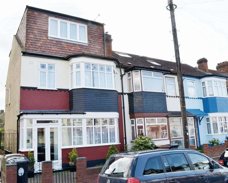 4 Bedrooms Terraced House for sale in Wickham Road, Highams Park E4 9JR