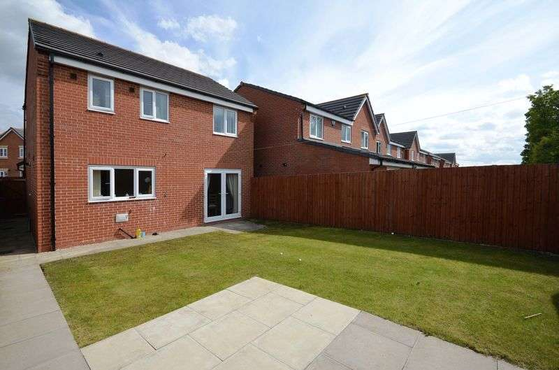 3 Bedrooms Detached House for sale in Chadwick Lane, Widnes