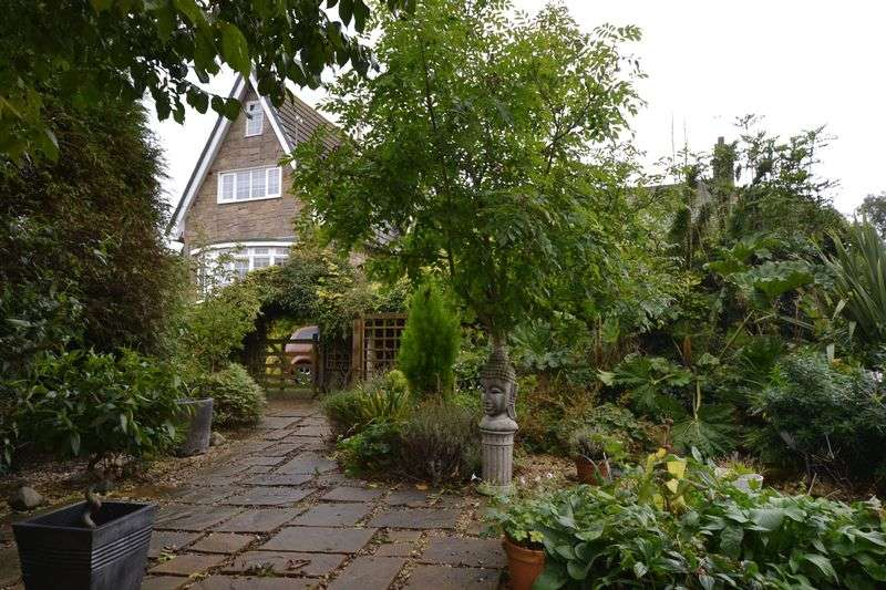 3 Bedrooms House for sale in Castle Garth, Morpeth