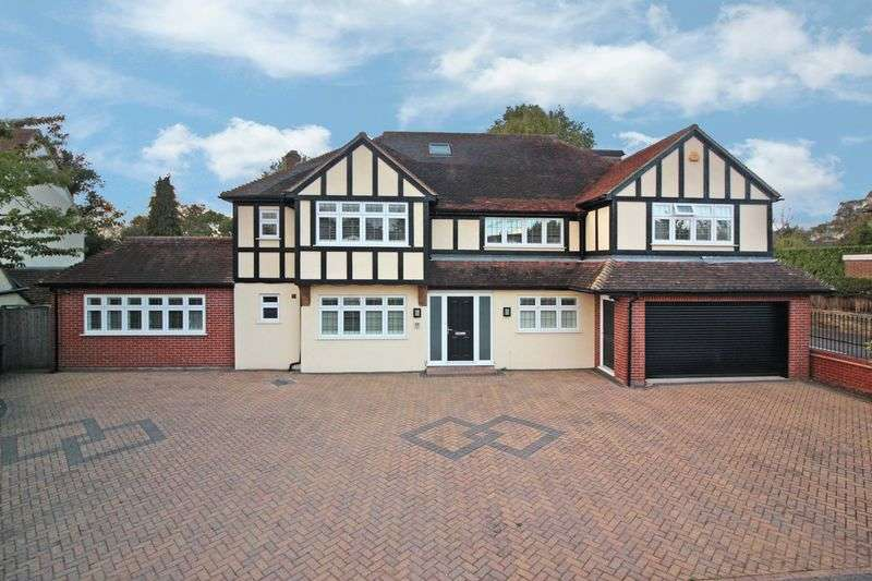 6 Bedrooms Detached House for sale in Church Lane, Loughton