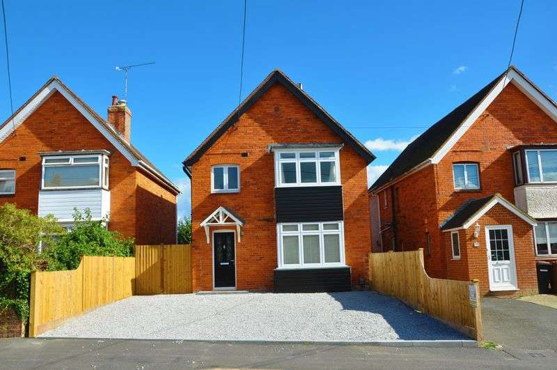 4 Bedrooms Detached House for sale in Millway Road, Andover