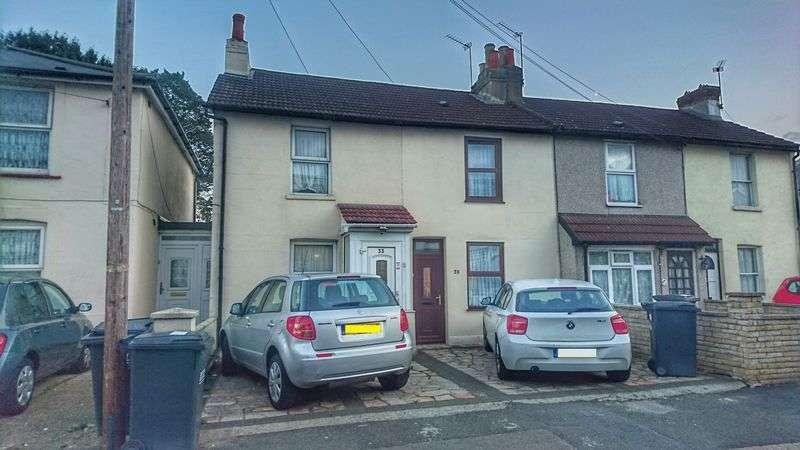 2 Bedrooms Terraced House for sale in Addington Road, CROYDON, Surrey