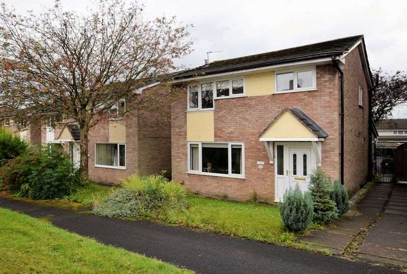 3 Bedrooms Detached House for sale in Darwen Road, Bromley Cross, Bolton