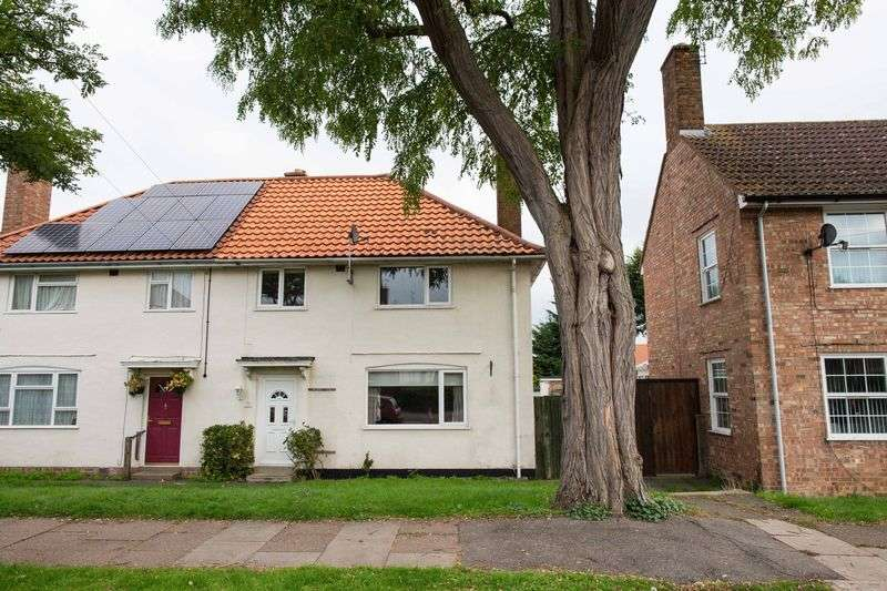 3 Bedrooms Semi Detached House for sale in Acacia Avenue, Bury St. Edmunds