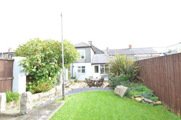 3 Bedrooms End Of Terrace House for sale in Fore Street, Troon, Camborne, Cornwall