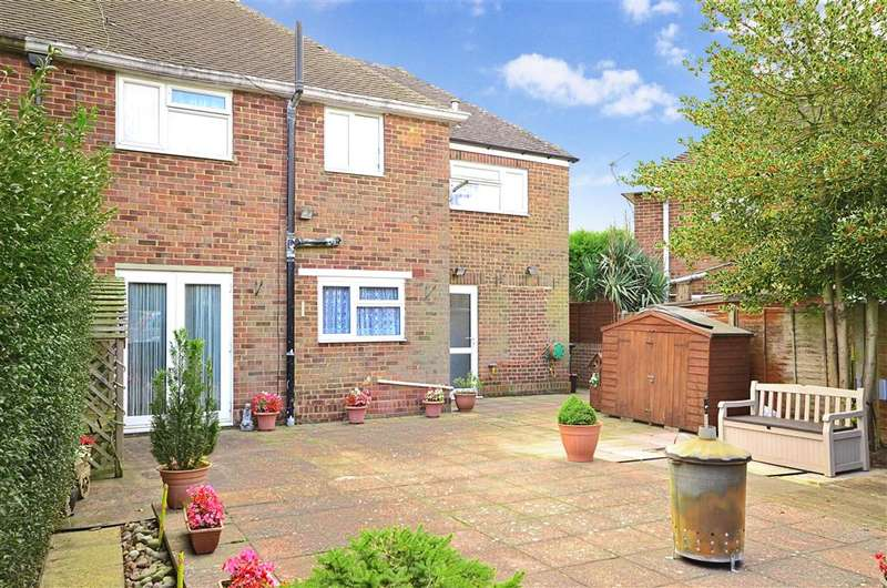 3 Bedrooms Semi Detached House for sale in Amsbury Road, Coxheath, Maidstone, Kent