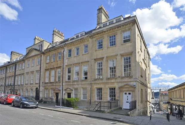 2 Bedrooms Flat for sale in Courtyard Apartment, 6 Alfred Street, Bath