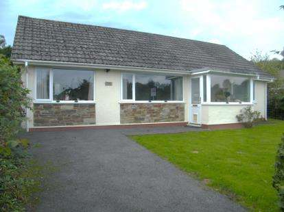 3 Bedrooms Bungalow for sale in Lower Tremar, Liskeard, Cornwall