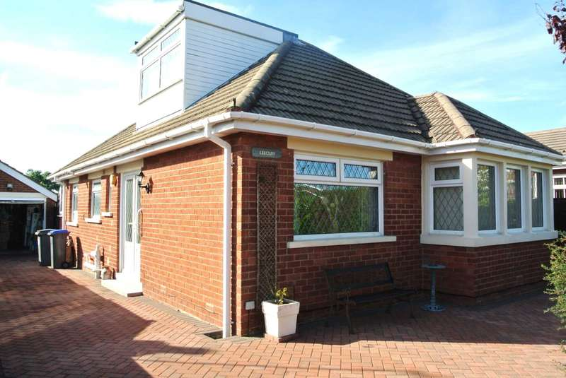 3 Bedrooms Detached Bungalow for sale in Carterville Close, Blackpool, FY4 5BD