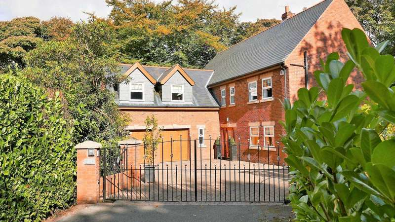 7 Bedrooms Detached House for sale in Belmont Road, Sharples