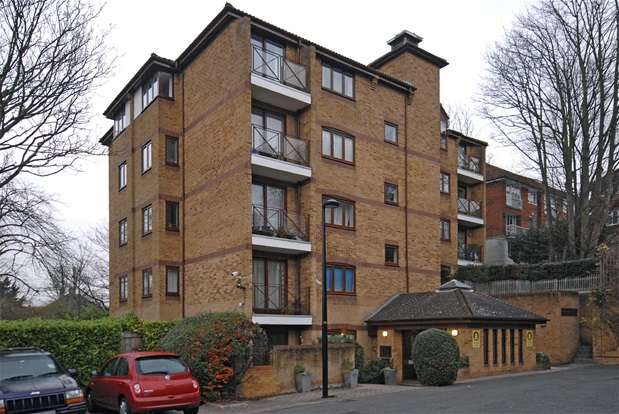 1 Bedroom Flat for sale in Kingswood Drive, London