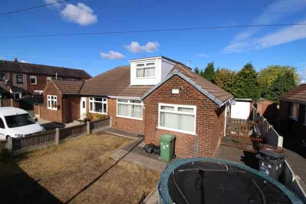 3 Bedrooms Semi Detached Bungalow for sale in Blair Avenue, Wigan, Greater Manchester, WN2 4HQ