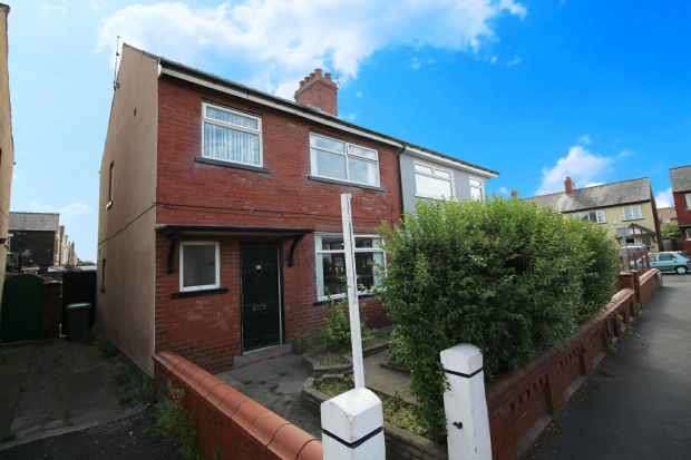 3 Bedrooms Semi Detached House for sale in Sherbourne Rd, Blackpool, Lancashire, FY1 2PG
