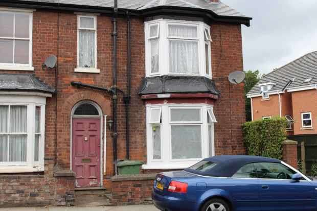 4 Bedrooms Property for sale in Rose Hill, Willenhall, West Midlands, WV13 2AR
